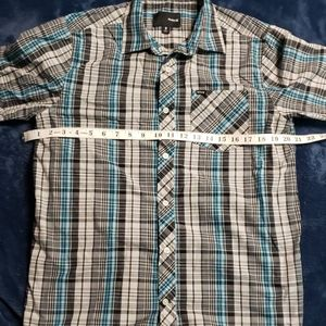Short sleeve button down shirt by Hurley